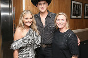 (L-R) Lauren Alaina, Jon Pardi, and Lisa Lee take photos during the 12th Annual ACM Honors at Ryman Auditorium on August 22, 2018 in Nashville, Tennessee.