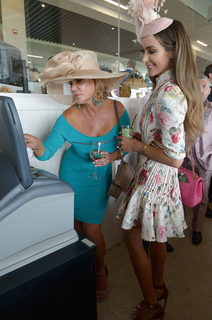 Celebs At Kentucky Derby 2018 — See The Stars & Parties ...