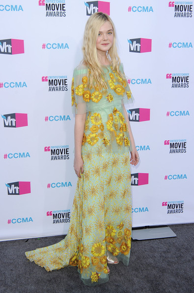Actress Elle Fanning arrives at the 17th Annual Critics' Choice Movie Awards held at The Hollywood Palladium on January 12, 2012 in Los Angeles, California.