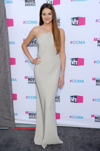 Actress Shailene Woodley arrives at the 17th Annual Critics' Choice Movie Awards held at The Hollywood Palladium on January 12, 2012 in Los Angeles, California.