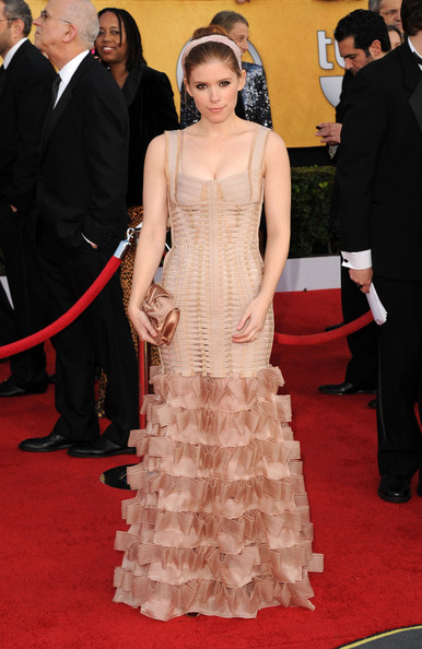 Actress Kate Mara arrives at the 17th Annual Screen Actors Guild Awards held at The Shrine Auditorium on January 30, 2011 in Los Angeles, California.