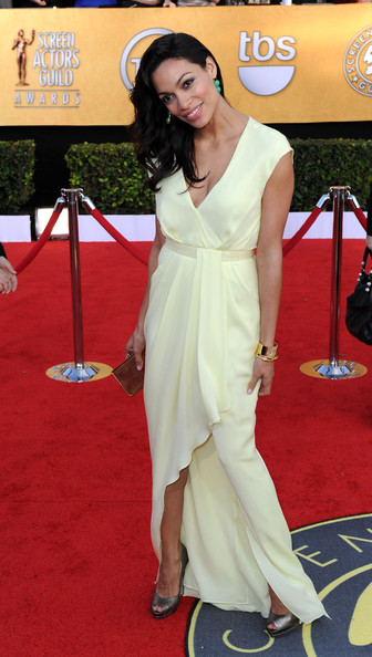 Actress Rosario Dawson arrives at the 17th Annual Screen Actors Guild Awards held at The Shrine Auditorium on January 30, 2011 in Los Angeles, California.