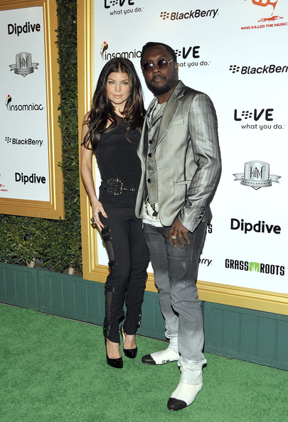 (L-R) Singers Fergie and wil.i.am attend the 1st Annual Data Awards presented by wil.i.am, the Black Eyed Peas and Dipdive at the Palladium on January 28, 2010 in Los Angeles, California.