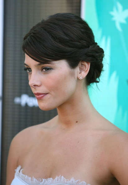 prom hair updos with braids. Ashley Greene#39;s raided updo