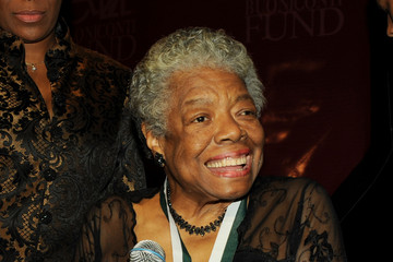 Dr. Maya Angelou 2009 Great Sports Legends Dinner to Cure Paralysis - Inside