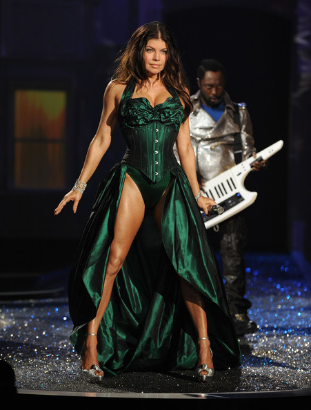 Singer Fergie of The Black Eyed Peas performs during the Victoria's Secret fashion show at The Armory on November 19, 2009 in New York City.