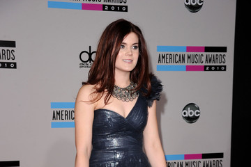 Madison Cain 2010 American Music Awards - Arrivals