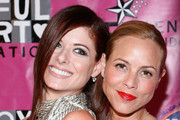 Actresses Debra Messing (L) and Maria Bello (R) attend the 2010 Joyful Heart Foundation Gala at Skylight SOHO on May 5, 2010 in New York City.