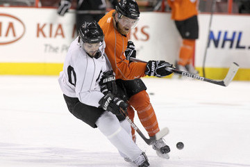 Claude Giroux Danny Briere 2010 Stanley Cup Practices and Press Conferences