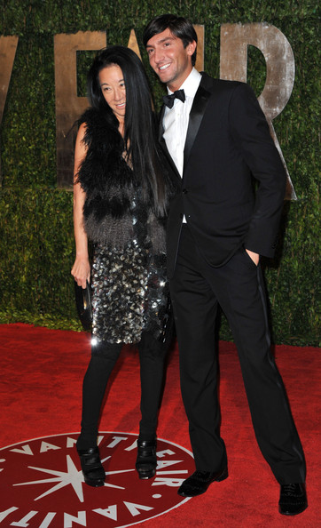 arrivals in this photo evan lysacek vera wang designer vera wangVera Wang Evan Lysacek
