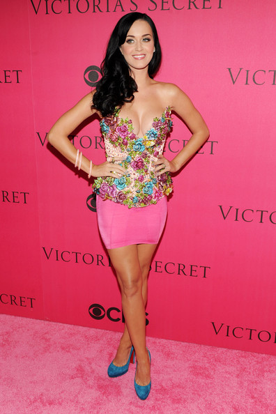 2010 Victoria's Secret Fashion Show - Pink Carpet Arrivals