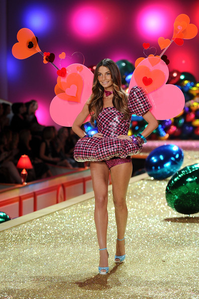 Model Lily Aldridge  walks the runway during the 2010 Victoria's Secret Fashion Show at the Lexington Avenue Armory on November 10, 2010 in New York City.