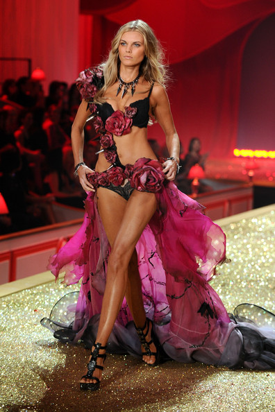 Model Maryna Linchuk walks the runway during the 2010 Victoria's Secret Fashion Show at the Lexington Avenue Armory on November 10, 2010 in New York City.