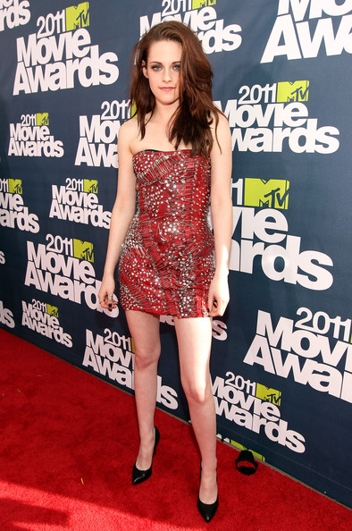 kristen stewart mtv movie awards 2011 vans. 2011 mtv movie awards 2011