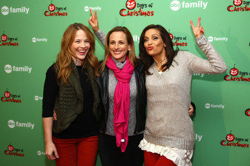 Constance Marie Katie Leclerc 2011 ABC Family 25 Days Of Christmas Winter Wonderland