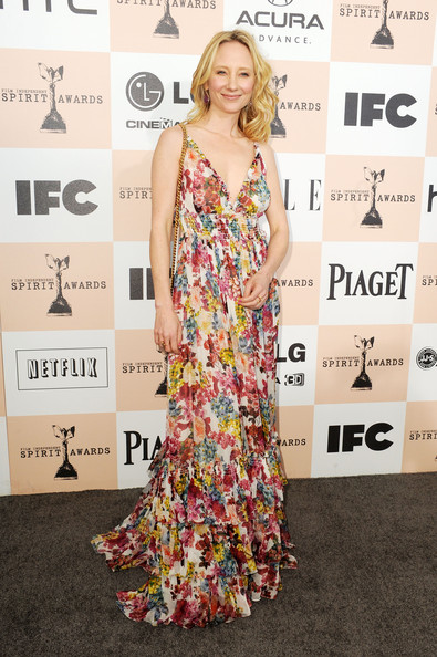 Actress Anne Heche arrives at the 2011 Film Independent Spirit Awards at Santa Monica Beach on February 26, 2011 in Santa Monica, California.
