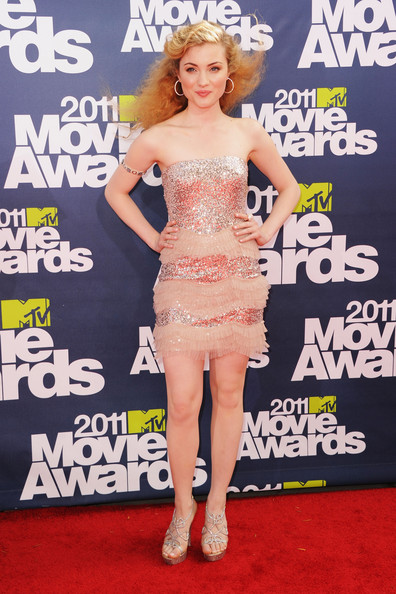 Actress Skyler Samuels arrives at the 2011 MTV Movie Awards at Universal Studios' Gibson Amphitheatre on June 5, 2011 in Universal City, California.