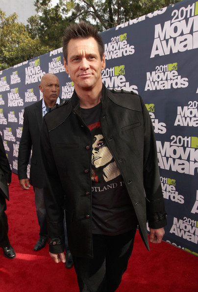 Actor Jim Carrey arrives at the 2011 MTV Movie Awards at Universal Studios' Gibson Amphitheatre on June 5, 2011 in Universal City, California.