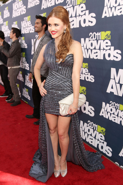 Actress Dylan O'Brien arrives at the 2011 MTV Movie Awards at Universal Studios' Gibson Amphitheatre on June 5, 2011 in Universal City, California.