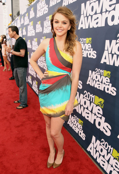 Actress Aimee Teegarden arrives at the 2011 MTV Movie Awards at Universal Studios' Gibson Amphitheatre on June 5, 2011 in Universal City, California.