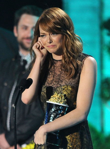 Actres Emma Stone accepts the Best Comedic Performance award onstage during the 2011 MTV Movie Awards at Universal Studios' Gibson Amphitheatre on June 5, 2011 in Universal City, California.