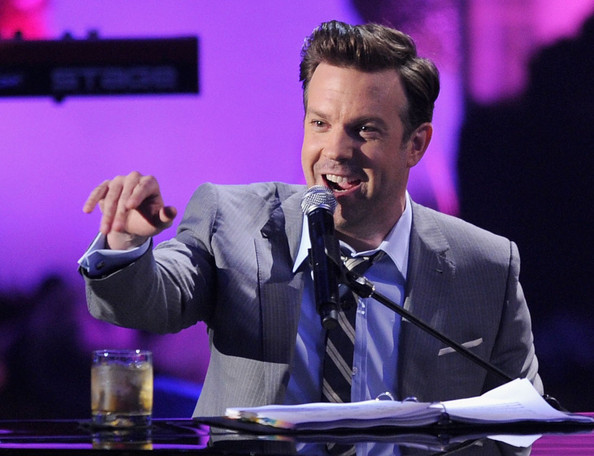 Host Jason Sudeikis performs onstage during the 2011 MTV Movie Awards at Universal Studios' Gibson Amphitheatre on June 5, 2011 in Universal City, California.
