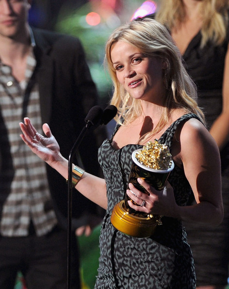 Actress Reese Witherspoon accepts the MTV Generation Award onstage during the 2011 MTV Movie Awards at Universal Studios' Gibson Amphitheatre on June 5, 2011 in Universal City, California.