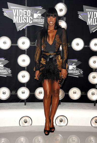 Singer Kelly Rowland  arrives at the 2011 MTV Video Music Awards at Nokia Theatre L.A. LIVE on August 28, 2011 in Los Angeles, California.