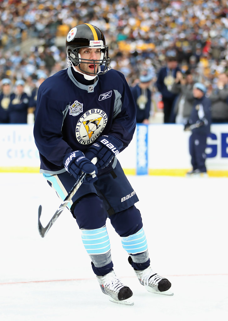 reputable site 720b4 0888c Pascal Dupuis Photos Photos - 2011 NHL Winter Classic ...