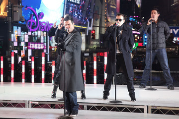 Donnie Wahlberg Jordan Knight 2011 New Year's Eve In Times Square
