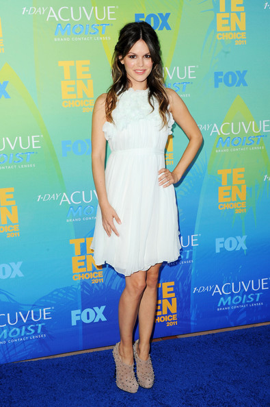 Actress Rachel Bilson arrives at the 2011 Teen Choice Awards held at the Gibson Amphitheatre on August 7, 2011 in Universal City, California.
