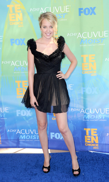Actress Megan Park arrives at the 2011 Teen Choice Awards held at the Gibson Amphitheatre on August 7, 2011 in Universal City, California.