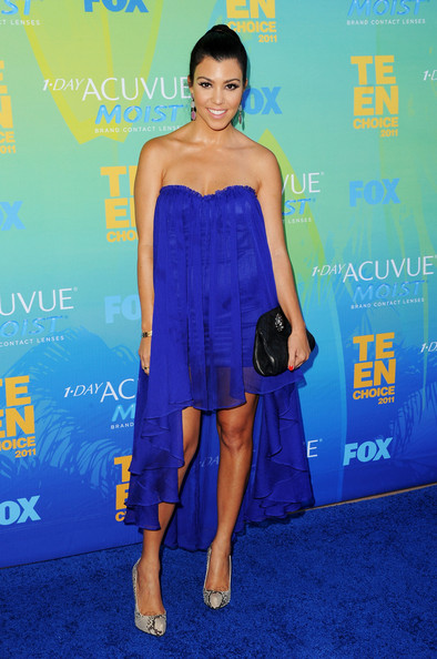 TV personality Kourtney Kardashian arrives at the 2011 Teen Choice Awards held at the Gibson Amphitheatre on August 7, 2011 in Universal City, California.