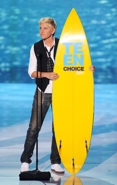Comedian Ellen DeGeneres accepts the Choice Comedian award onstage during the 2011 Teen Choice Awards held at the Gibson Amphitheatre on August 7, 2011 in Universal City, California.