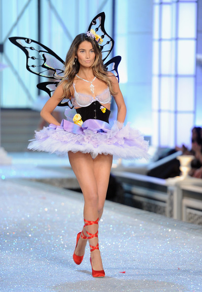 Model Lily Aldridge walks the runway during the 2011 Victoria's Secret Fashion Show at the Lexington Avenue Armory on November 9, 2011 in New York City.