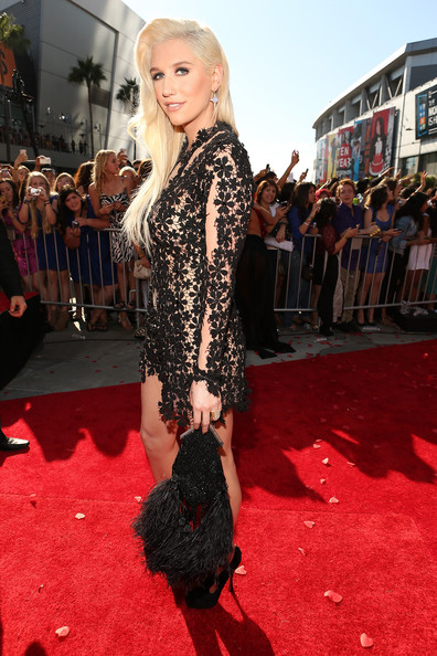 Singer Ke$ha arrives at the 2012 MTV Video Music Awards at Staples Center on September 6, 2012 in Los Angeles, California.