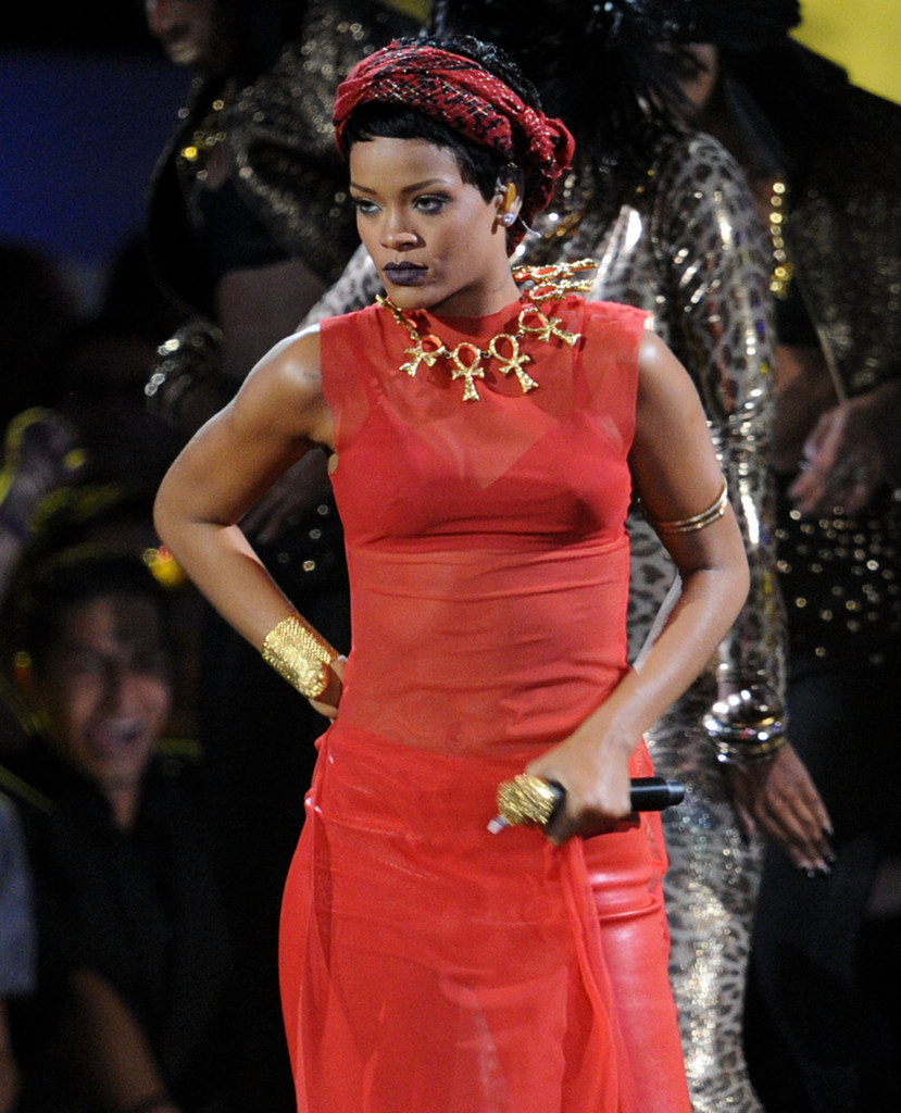 Rihanna News And Photos: 2012 MTV Video Music Awards