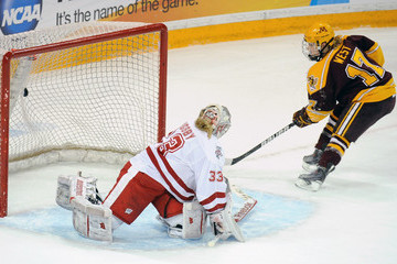 Alex Rigsby 2012 NCAA Women's Hockey Championship