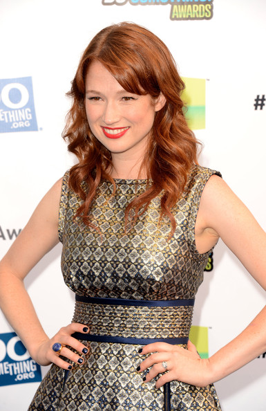 Actress Ellie Kemper arrives at the 2012 Do Something Awards at Barker Hangar on August 19, 2012 in Santa Monica, California.