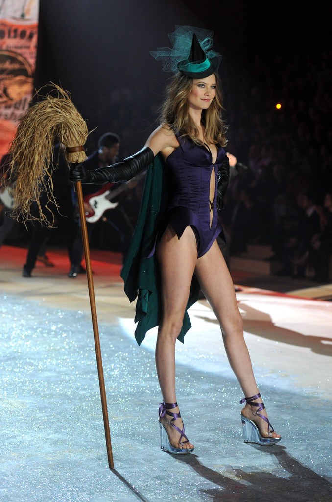 Behati Prinsloo Photos Photos 2012 Victoria 39 S Secret