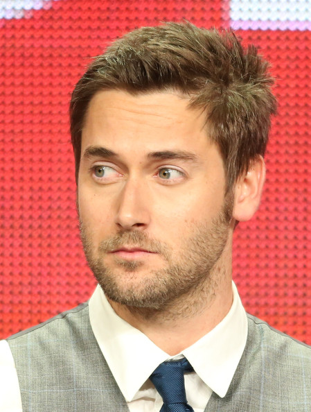ryan eggold singing