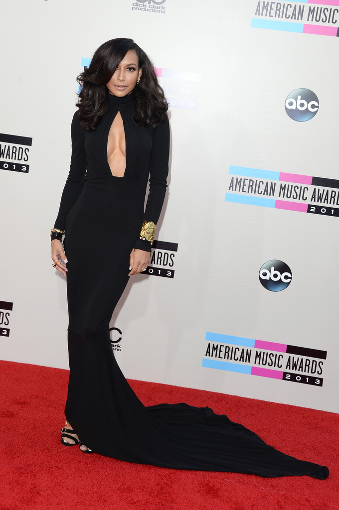 http://www2.pictures.zimbio.com/gi/2013+American+Music+Awards+Arrivals+7O4N8VCb4IVx.jpg