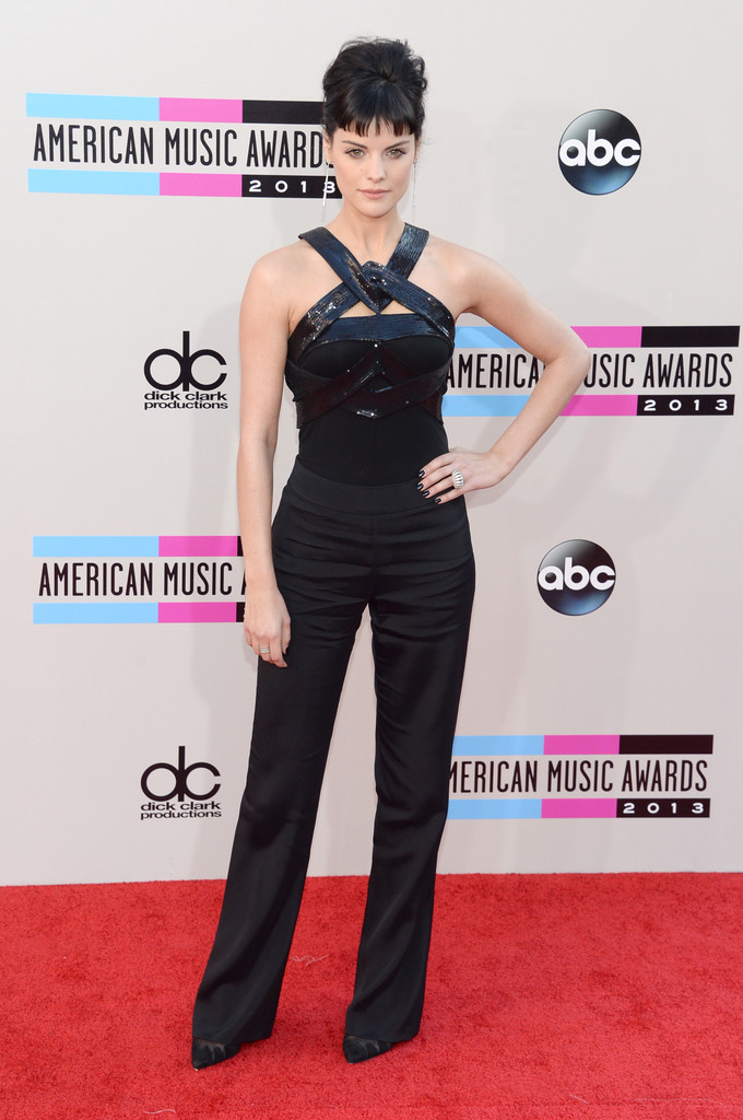 http://www2.pictures.zimbio.com/gi/2013+American+Music+Awards+Arrivals+M52mP2iFnyIx.jpg