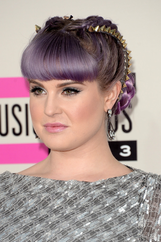 TV personality Kelly Osbourne attends the 2013 American Music Awards at Nokia Theatre L.A. Live on November 24, 2013 in Los Angeles, California.