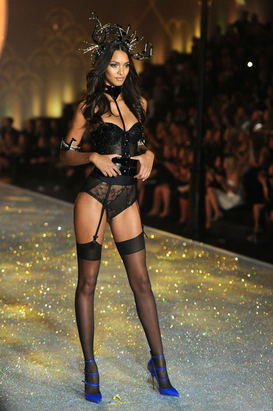 Model Lais Ribeiro walks the runway at the 2013 Victoria's Secret Fashion Show at Lexington Avenue Armory on November 13, 2013 in New York City.