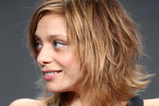 Lizzie Brochere Photos Photo