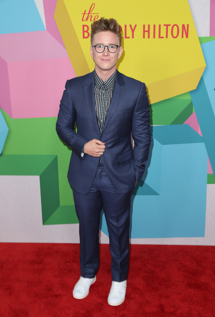 Tyler Oakley Photos - 2017 Streamy Awards - Arrivals - 113 ...