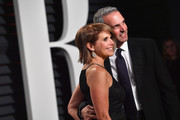 TV personality Katie Couric (L) and banker John Molner attend the 2017 Vanity Fair Oscar Party hosted by Graydon Carter at Wallis Annenberg Center for the Performing Arts on February 26, 2017 in Beverly Hills, California.