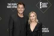 (L-R) Colton Underwood and Cassie Randolph attend the 2019 E! People's Choice Awards at Barker Hangar on November 10, 2019 in Santa Monica, California.