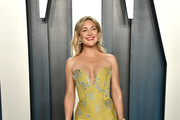 Kate Hudson attends the 2020 Vanity Fair Oscar Party hosted by Radhika Jones at Wallis Annenberg Center for the Performing Arts on February 09, 2020 in Beverly Hills, California.